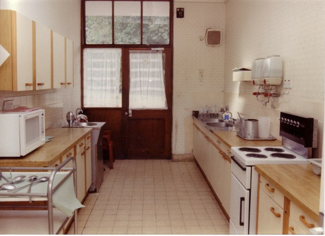 Can You Sell Your Old Kitchen Cabinets Kitchen